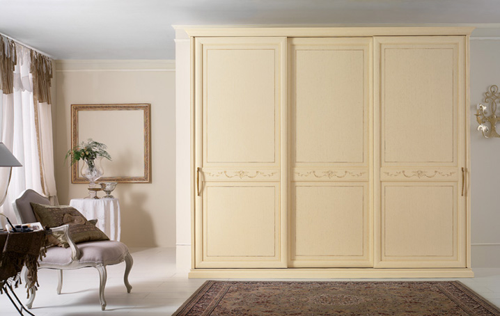 Camera da letto for Case arredate classiche